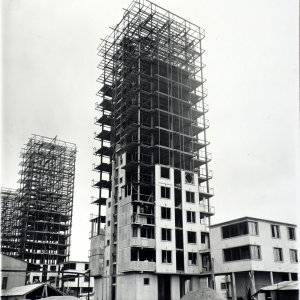 """Projection  de """"Construire"""" de Jean Benoit-Lévy"""